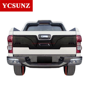 COLORADO 17 TAIL GATE NUDGE COVER WITH LED