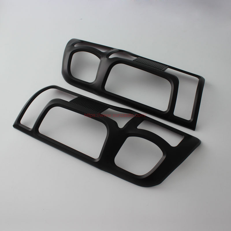 NV350 16 TAIL LIGHT COVER