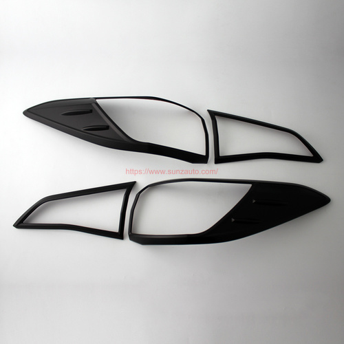 YARIS 18 TAIL LIGHT COVER
