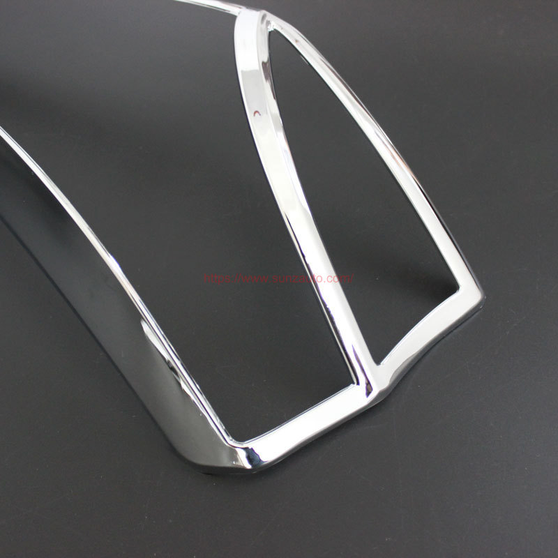 FORTUNER 15 TAIL LIGHT COVER