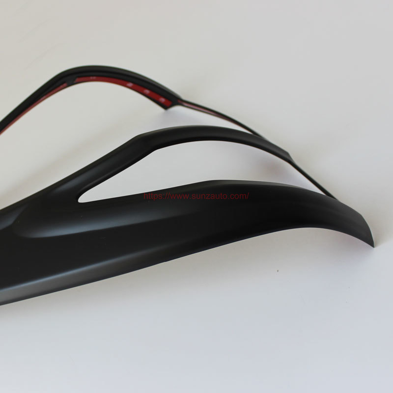 BT-50 12 TAIL LIGHT COVER